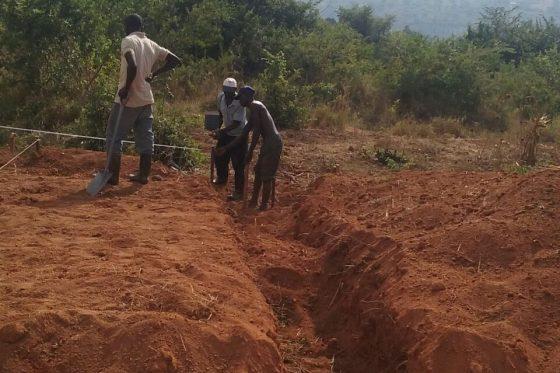 Construcción nueva escuela en Kenziga